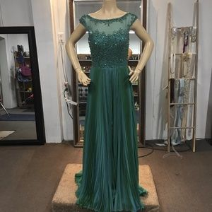 NWT! Sherri Hill Green Gown